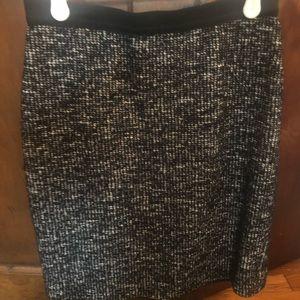 Black/White Skirt Ann Taylor 0P